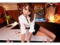 【VR】【超時短誘惑中出し逆レ×プVR】180cm超モデル級高身長タトゥー美女バーテンダーに何度も彼女がいる前で誘惑され犯されまくるVR 佐藤エルのサンプル画像2