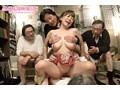 口臭・体臭・加齢臭 激悪臭じじい達に揉み舐め犯された美巨乳なエロボディ妻11人のサンプル画像