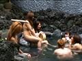 巨乳露天風呂ギャル夜這いレイプ 2のサンプル画像