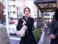 追跡FUCK!! 続・人妻ナンパ217 〜総武沿線 船橋・亀戸土下座〜のサンプル画像
