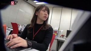 SOD女子社員総務で働くハケンの佐々木さん26歳は落ち着いた性格でエロ… のサンプル画像 2枚目