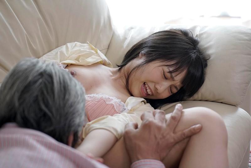 戸田真琴 近親レイプから始まった不貞の愛 平和な家庭のホームビデオにRECされた義父の悪戯サンプルイメージ5枚目