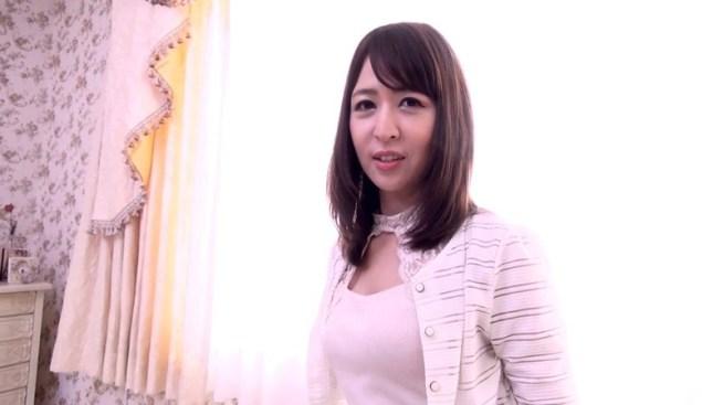 脱がずに魅せる女たちvol.65 奥村美香