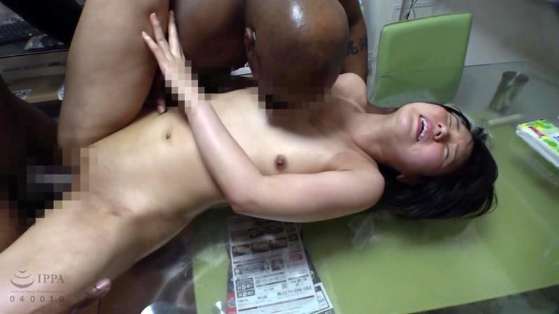 ロ●ータ美少女を狙った黒人尾行鬼畜レ●プ映像集 4時間4