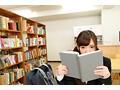 【VR】僕だけしか知らない君のヒメゴト。~名前も知らない文学美少女と過ごした想い出図書館。…と美少女の秘密…~ 一条みおのサンプル画像4