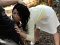 ヤリたくなったら3秒で生姦中出しができるノーパン不倫人妻 篠田あゆみのサンプル画像