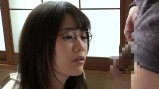 隣の地味な女子大生は隠れ爆乳の眼鏡腐女子 佐知子のサンプル画像1