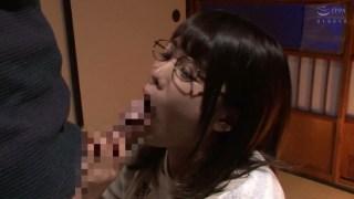 隣の地味な女子大生は隠れ爆乳の眼鏡腐女子 佐知子のサンプル画像9