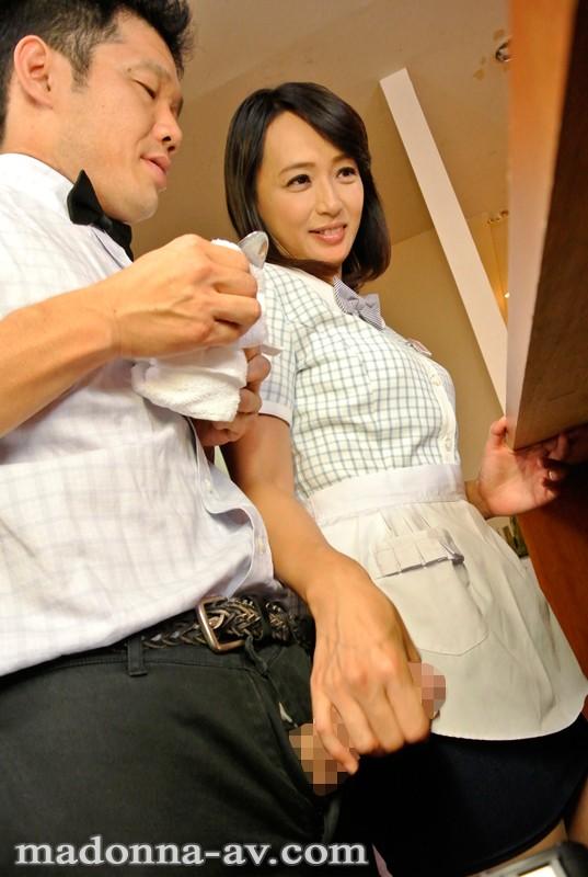 JUX-484バイト先で知り合った素敵な奥さん 安野由美-1