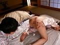お義姉さんが嫁の実家で僕を誘惑寝取り 佐々木あきのサンプル画像