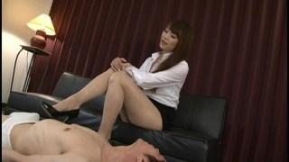 美脚痴女 ムレムレのパンスト足臭 広瀬奈々美のサンプル画像3
