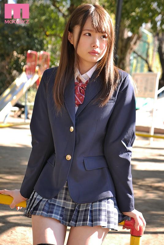 松本いちか 絶対領域愛しのニーハイ制服美少女サンプルイメージ1枚目