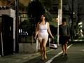 ビデオショップで見つけたノーブラ欲求不満妻をレ×プ!のサンプル画像
