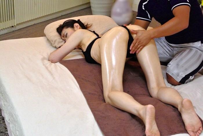 美熟女が腰をくねらせ絶頂しちゃう猥褻エステ240分 のサンプル画像 2枚目
