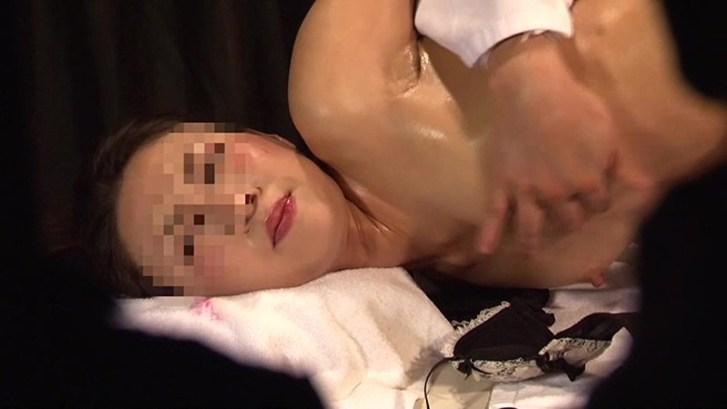 ヤンキー姉ちゃんを性感マッサージでとことんイカせてみた(2)9