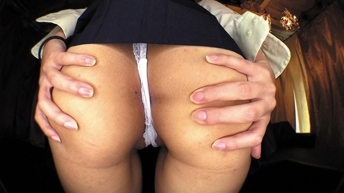 女子校生達がパンティーをオ○ンコにグイグイ食い込ませて見せつけてくる… のサンプル画像 5枚目
