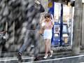 すみません、突然の雨で濡れてしまいまして… しかも、今日に限ってノーブラなんです…。 奥田咲のサンプル画像5