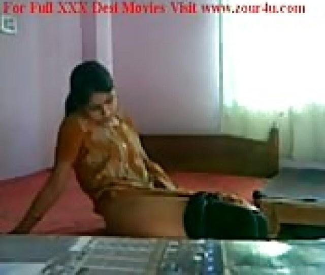 Lonely Indian Maid Masturbates