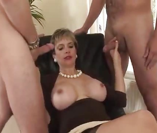 Big Boobs Bouncing When Riding Cocks