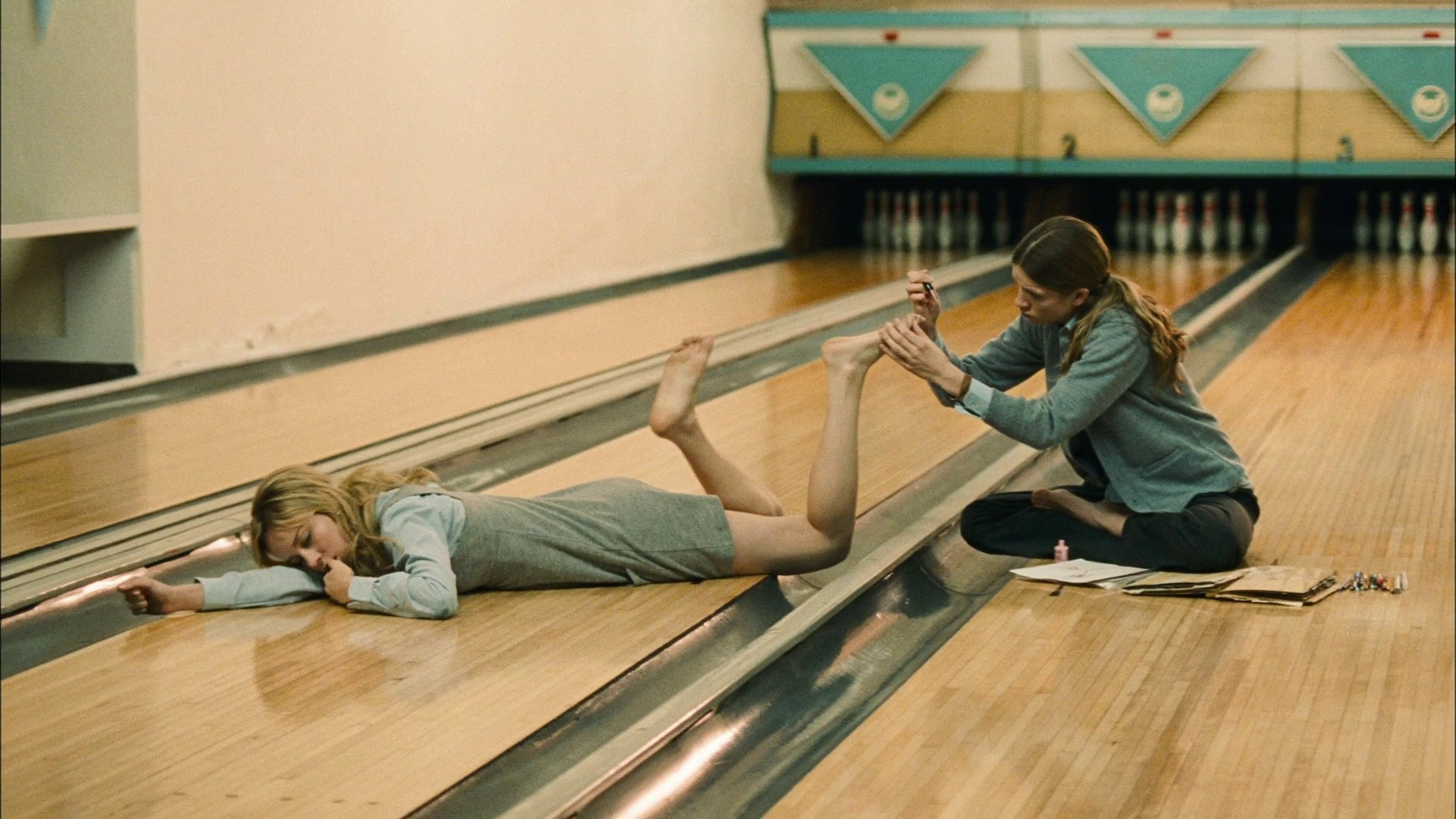 Brie Larson Feet Problem