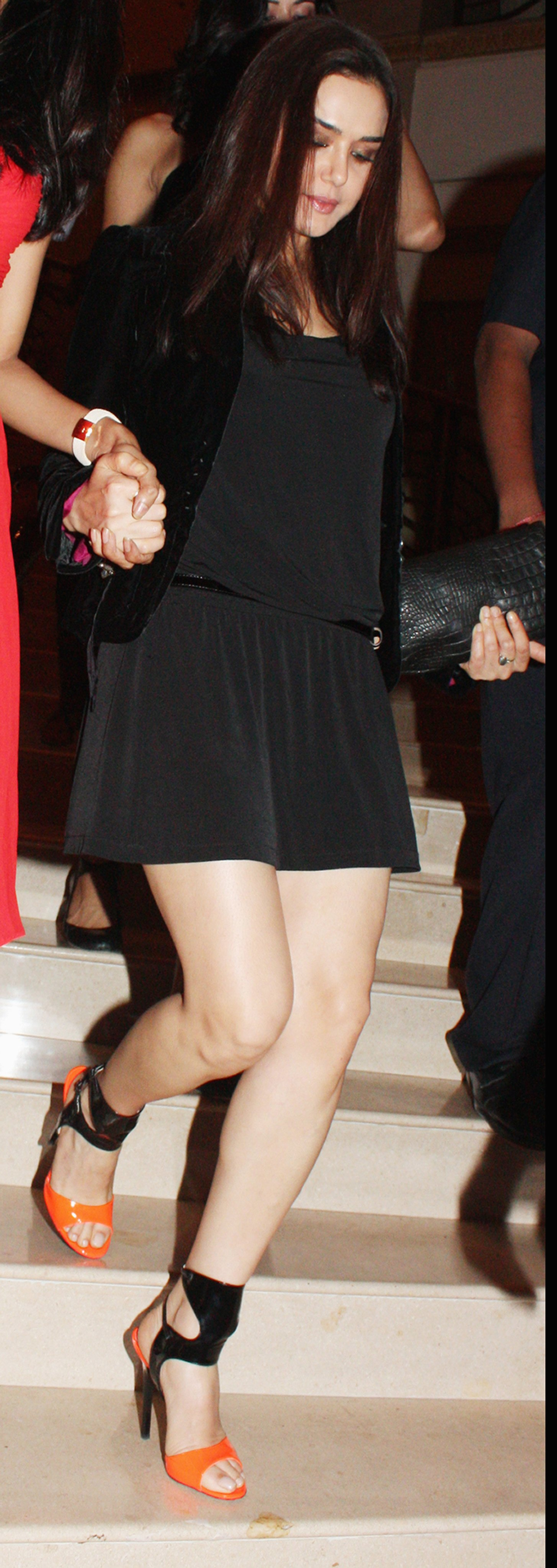 https://i2.wp.com/pics.wikifeet.com/Preity-Zinta-Feet-458342.jpg