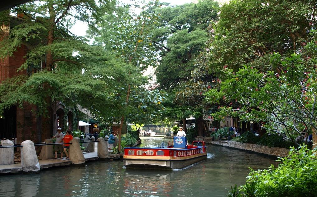 San Antonio Tx Boat On The San Antonio River Photo