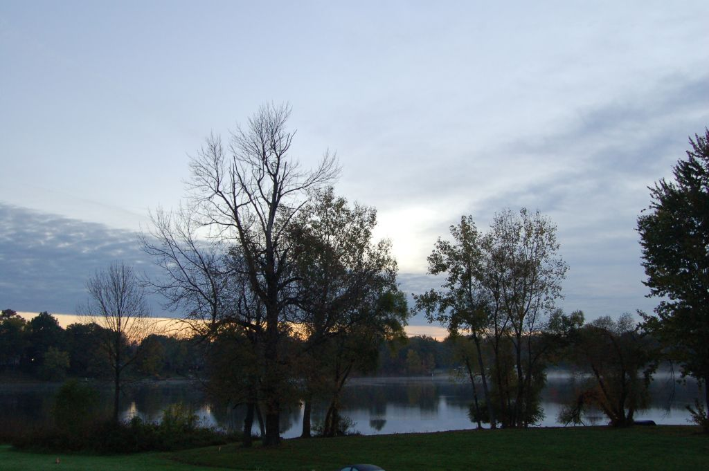 Stow, OH: Wyoga lake at sunrise