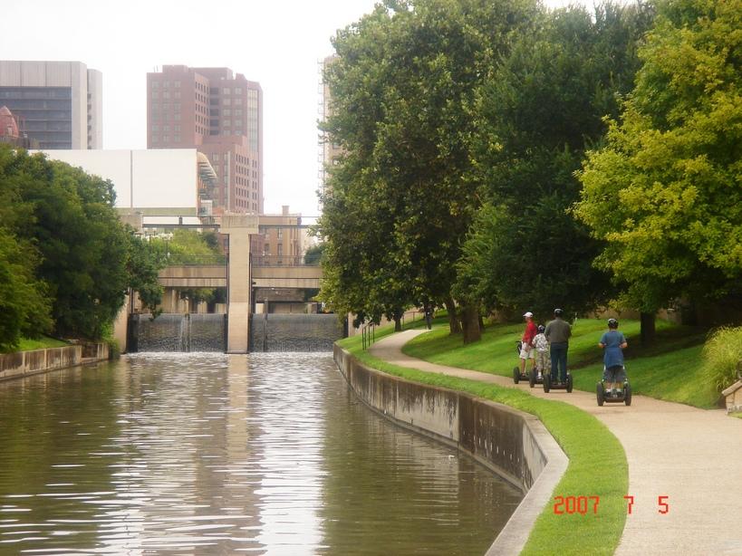 San Antonio Tx Flood Gate 5 On The San Antionio River
