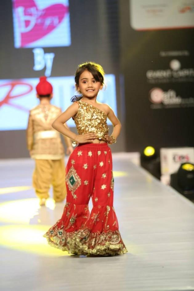 Fashion Amp Style Ritu Beri Dress Designers India Spring