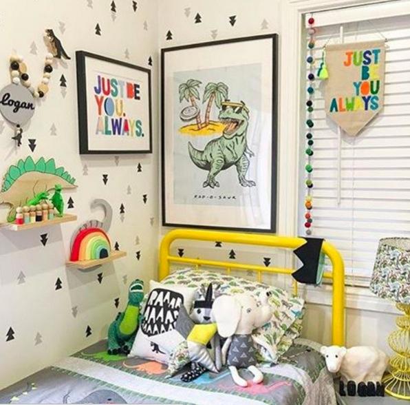 deco dinosaure dans une chambre d enfant