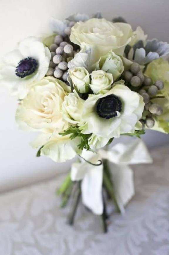 Adorable Wallpaper Of White Anemone Bouquet