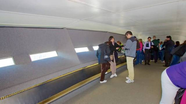 Beautiful Inside View Of The Gateway Arch With Many People