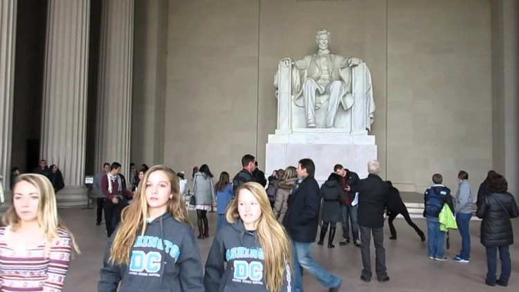 Best Art Of Statue Of Abraham Lincoln Inside The Lincoln Memorial With Many Tourists