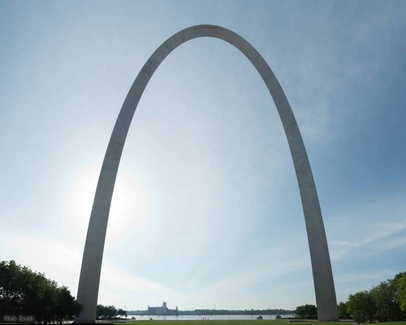 Gateway Arch Photo With Beautiful Background