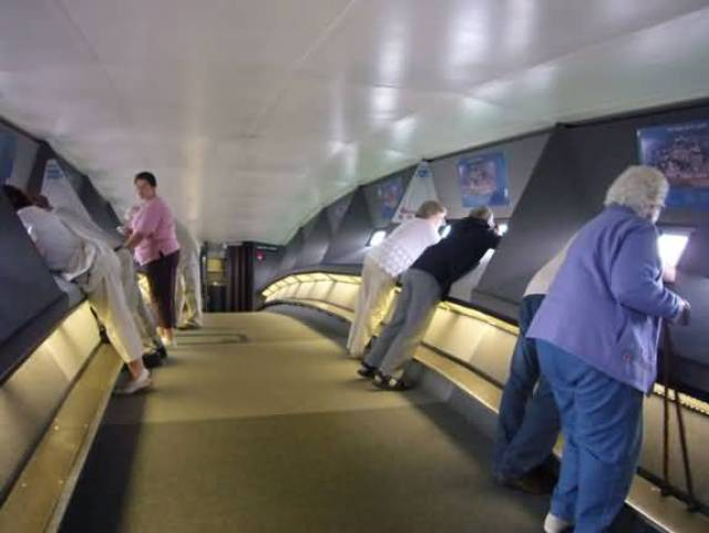 Many People Inside The Top Of Gateway Arch Photo