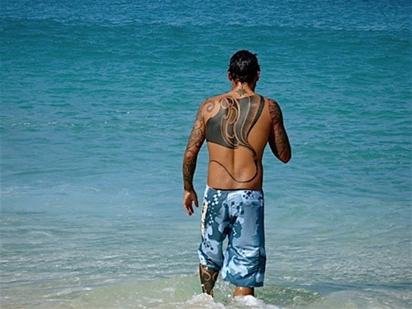 Most Amazing Ray Tattoo On Back With Black Ink For Man And Woman