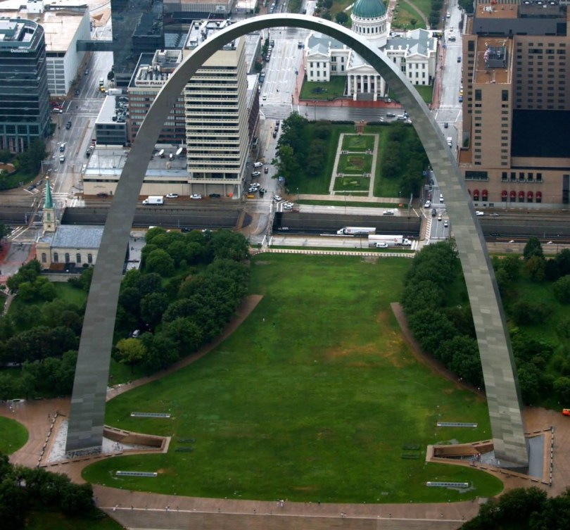 The Gateway Arch With Beautiful Background
