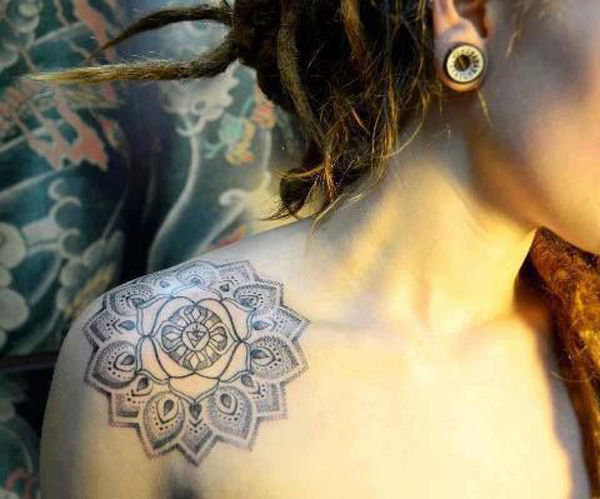 Latest Mandala Clavicle Tattoo With Black Ink For Woman