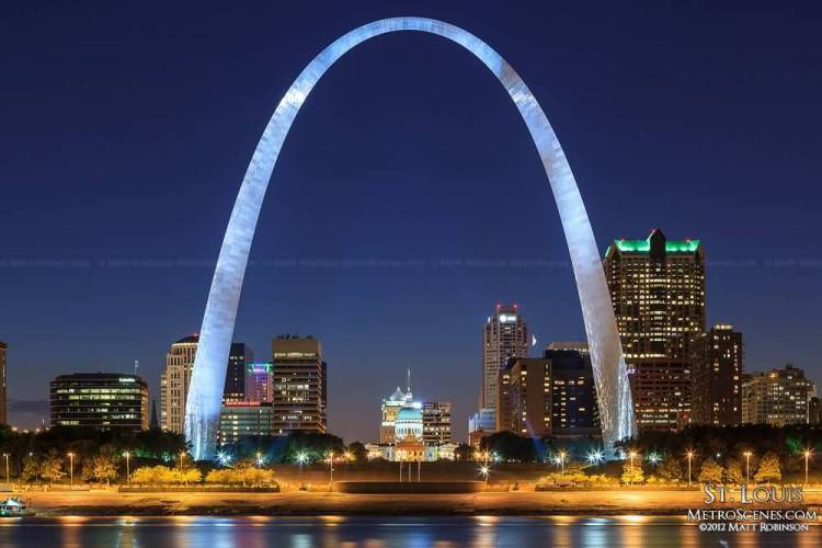 Marvel View Of Gateway Arch With Blue Background And River