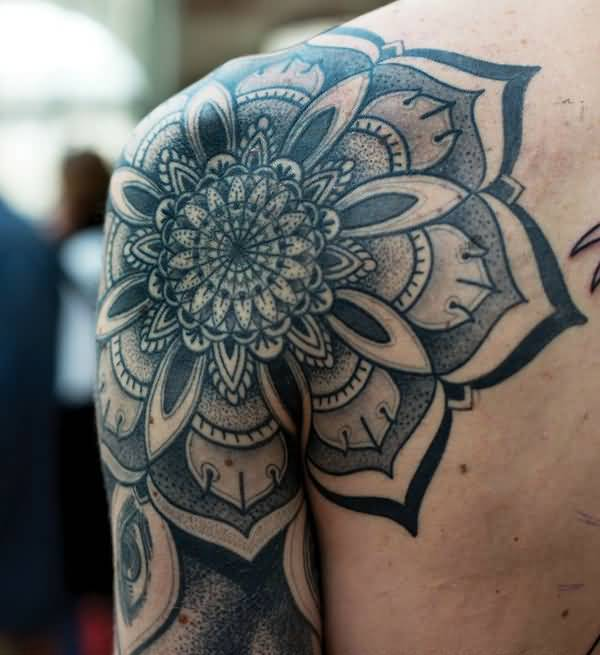 New Mandala Shoulder Tattoo With Blue Inl For Man Woman