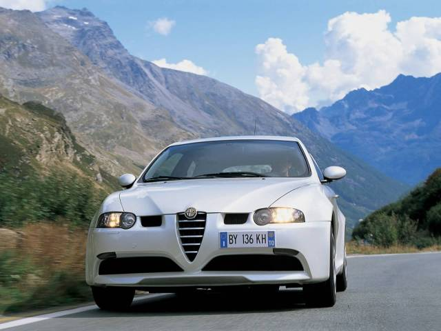 Amazing view of White colour Alfa Romeo 147 GTA Car