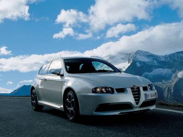 Awesome on the road White colour Alfa Romeo 147 GTA Car