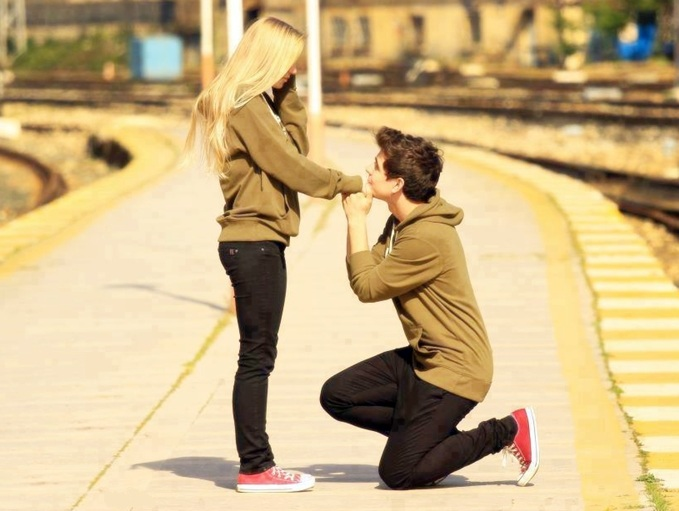 Boy Propose Girl Awesome Wallpaper