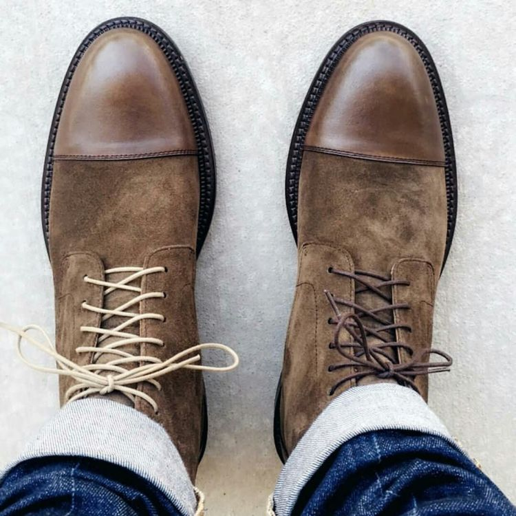 Casual Brown Leather Shoe Highlight With Different Lace