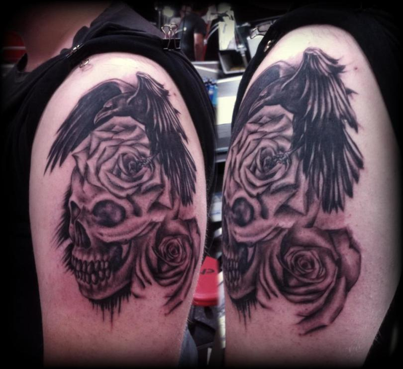 Cool Black Color Ink Crow Rose Skull Tattoos On Shoulder For Boys