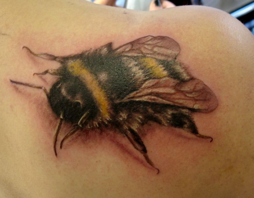 Crazy Black And Yellow Color Ink Bumblebee Tattoo On Shoulder Back For Girls