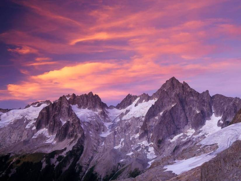 Fabulous Clouds Over Eldorado Peak at Sunset North Cascades National Park Washington 4K Wallpaper