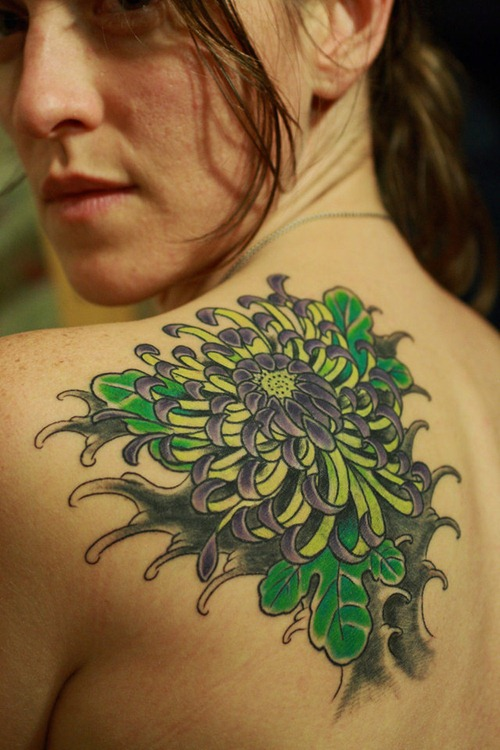 Fantastic Green And Black Color Ink Chrysanthemum Tattoo On Back Shoulder For Girls