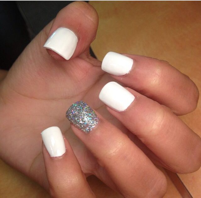 Beautiful White And Silver Color Glitter Accent Nail Art