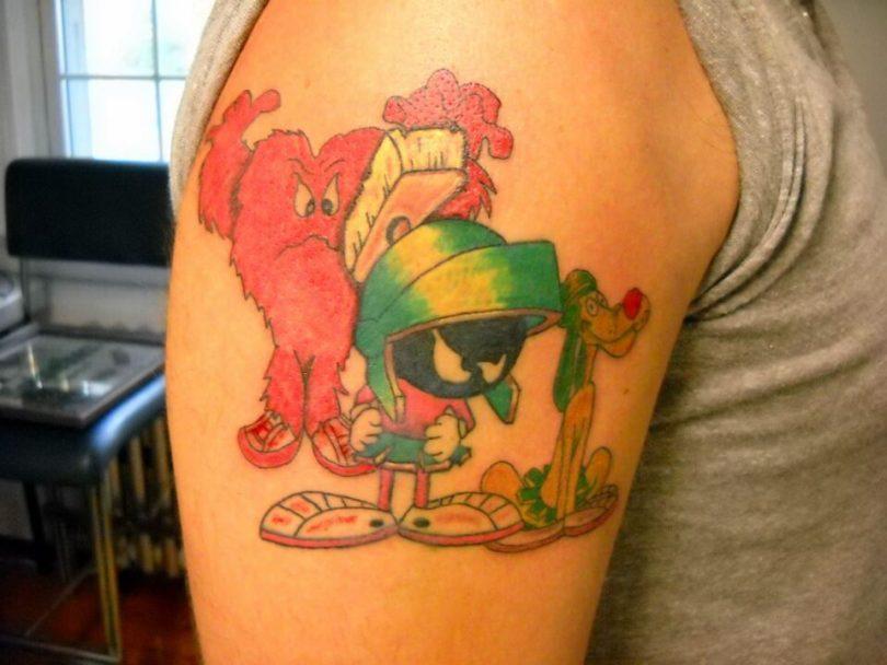 Best Ever Martian n Dog Tattoo On Shoulder For Boys